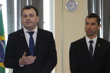 Posse do novo Superintendente da Receita Municipal, Teddy Biassusi, pelo secretário Leonardo Busatto. Local: Auditório do TART ( R. Uruguai, 277 – 12ª andar).
